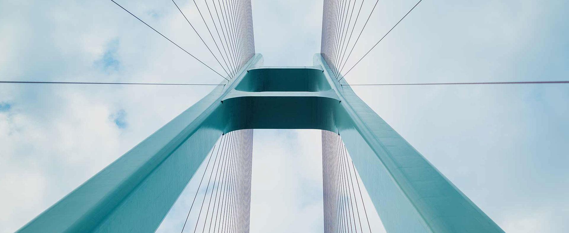 Farell Fritz Bridge Image Ad